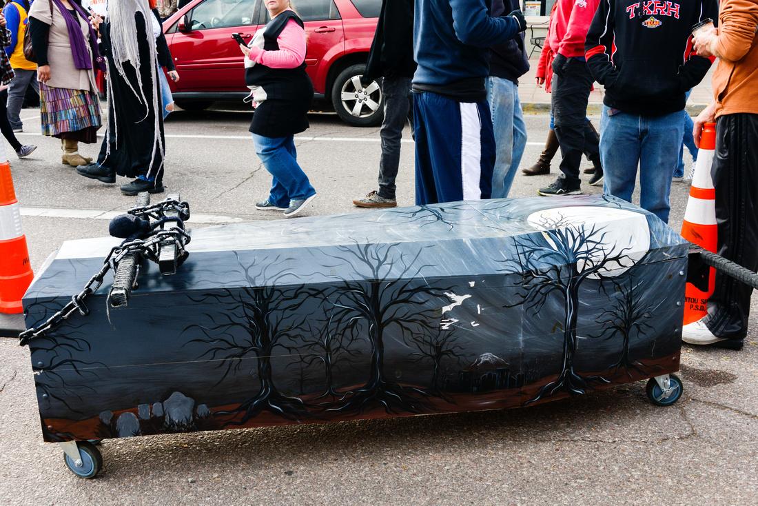 Coffin Races-187