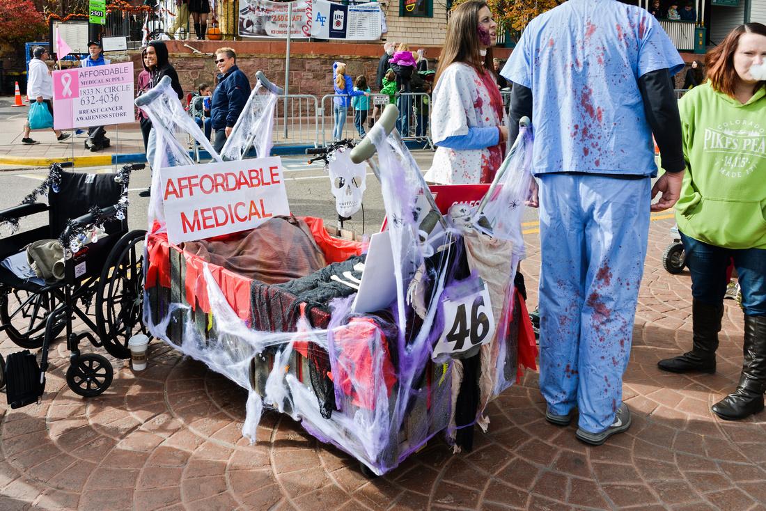 Coffin Races-190